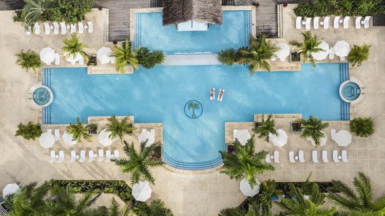 CTI_1192_VEGGIE_BAR-1024x682 Healthy Choices at Couples Resorts