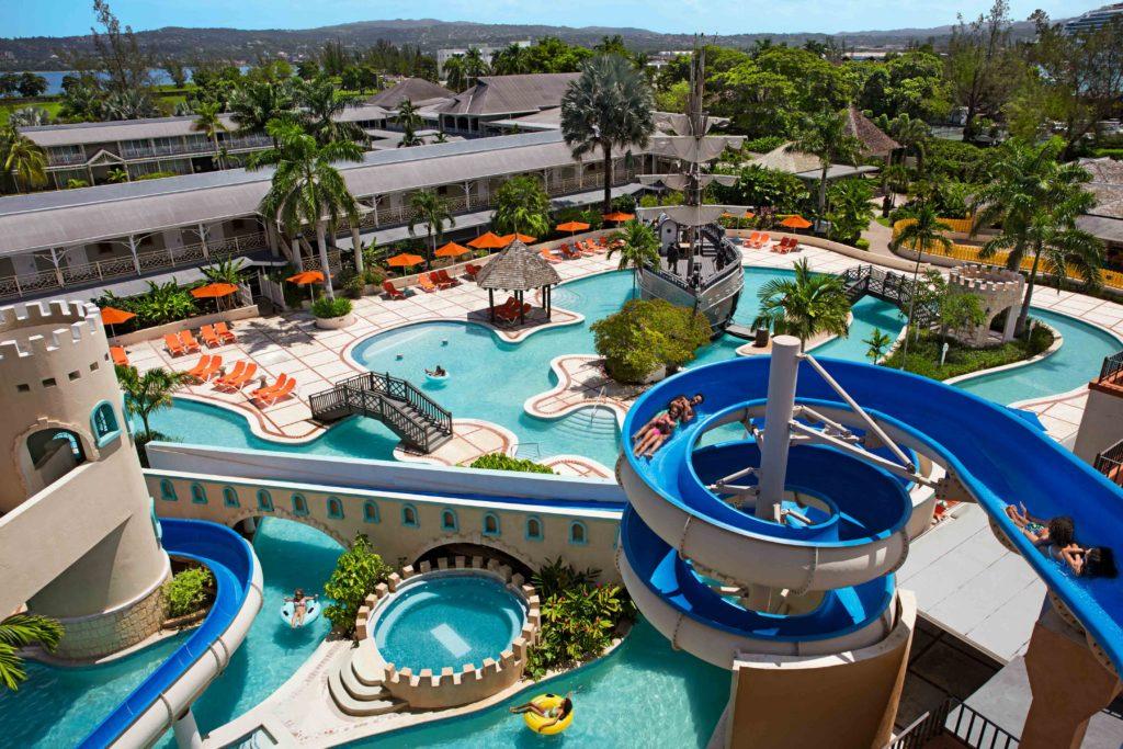 https://www.allinclusiveoutlet.com/resorts/sunscape-splash-montego-bay
