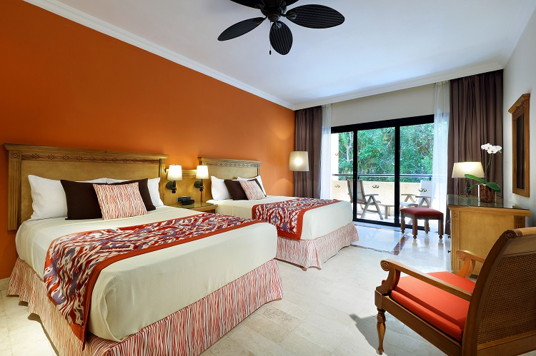 Grand-Palladium-Colonial Grand Palladium Colonial Resort & Spa All Inclusive Vacations