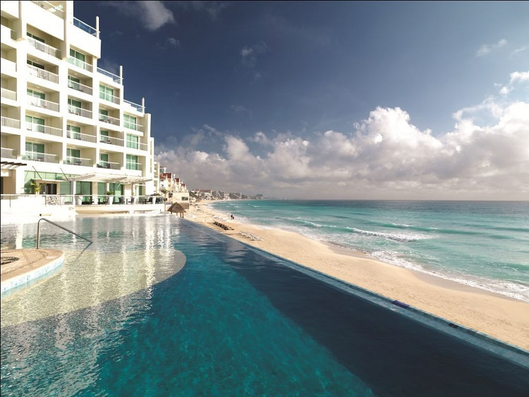 Beach-Palace Palace Resorts in Cancun: Luxury All Inclusive Packages